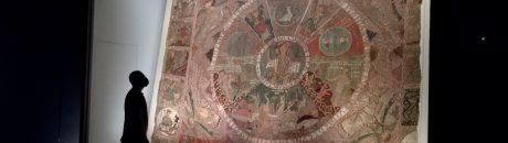 La peça més atractiva de la col·lecció és el Tapís, quanta gent s'hi embadaleix davant seu!. Obres al museu